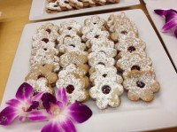Raspberry Lindzor Tortes